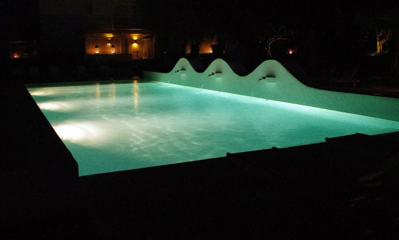 Vila Monte Farm House Portugal Pool by night