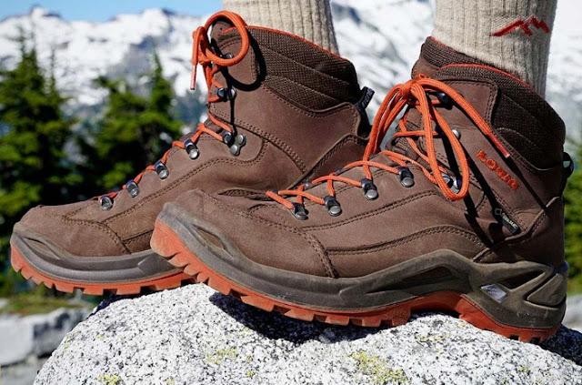 4 Jenis Sepatu Boot