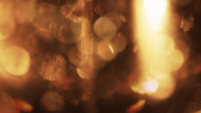 Free to download 4K gold bokeh