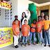 Dino lleva alegría a los niños de la Fundación La Merced