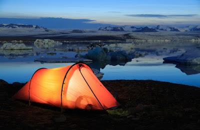 Acampado por Jokursarlon en Islandia