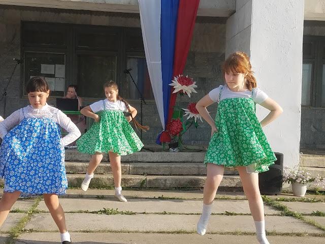 мои 92 дня лета, день России, сельский клуб, танцы