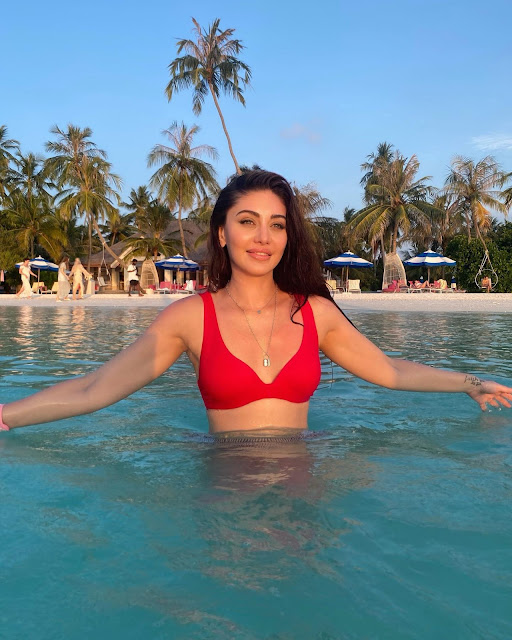 Shefali Jariwala Latest Pics in Red Swimwear Outfit Actress Trend