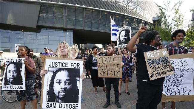 Angry protesters in the US state of Ohio demand justice for black man killed by police
