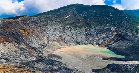 Gunung Tangkuban Perahu
