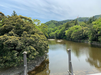 宇治橋から見る五十鈴川