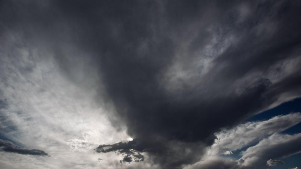 Καιρός: Λασποβροχή στα δυτικά και καταιγίδες στο Ανατολικό Αιγαίο