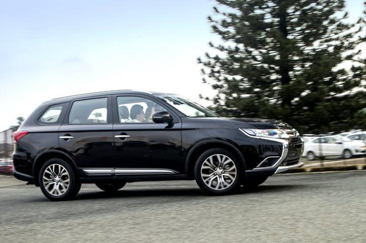 Cận cảnh mẫu ô tô Mitsubishi xả kho, giá giảm mạnh, thấp chưa từng có tại Việt Nam
