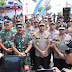 Panglima TNI Menyapa Masyarakat Natuna Saat Tinjau Bakti Sosial