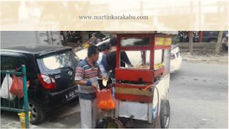Cerita Inspirasi Bersama Pedagang Gorengan di Glodok Jakarta Barat: Berdagang Bukan Soal Untung Rugi