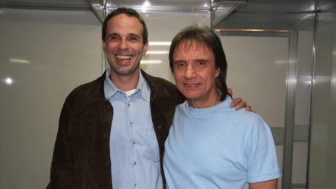 Dudu Braga revelou que Roberto Carlos tem músicas inéditas pronta para o lançamento.