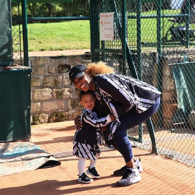 Serena Williams and Olympia in matching outfits