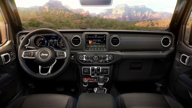 التصميم الداخلي لسيارة جيب رانجلر 2021