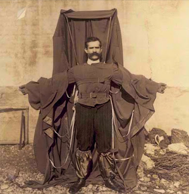 Baju Parasut Terbang Buatannya Mengantar Dia ke Gerbang Kematian