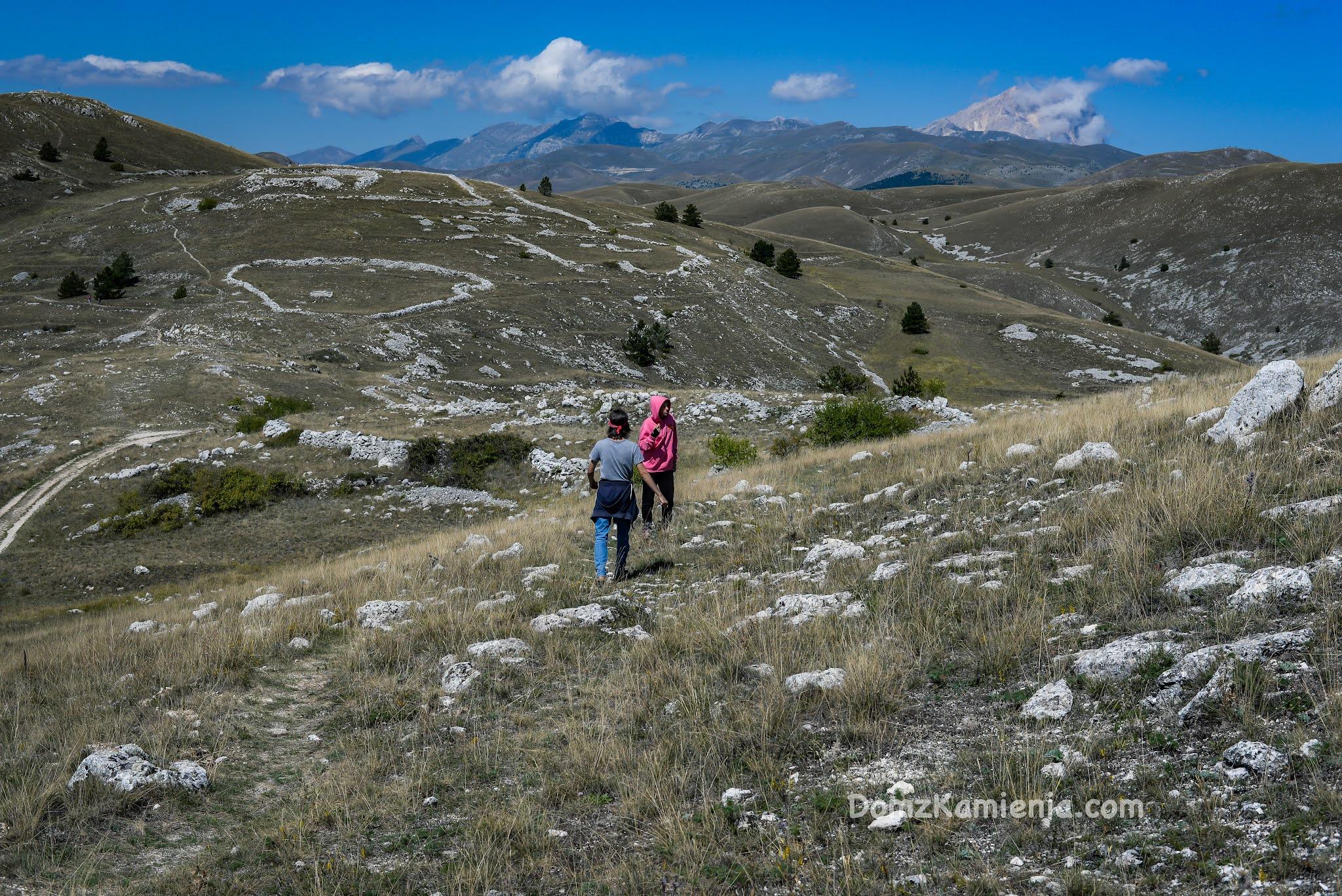 Abruzzo - Rocca Calascio Dom z Kamienia blog