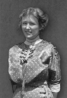 Sybil Gage Weddle  in 1909