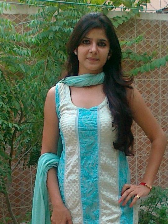 Desi Hot Girl Hd Pic