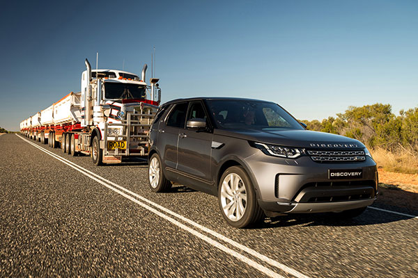 land-rover-discovery-2018-co-gia-khoi-diem-53000-usd