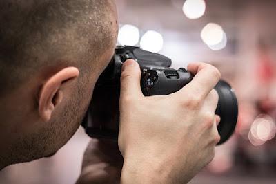 Cara Menerapkan Foto Fokus dan Background Blur pada Kamera DSLR yang Benar