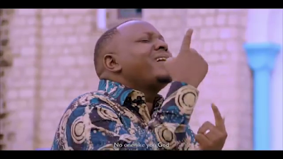 Christopher Mwahangila – HAKUNA KAMA WEWE MUNGU