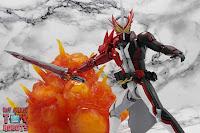 S.H. Figuarts Kamen Rider Saber Brave Dragon 36