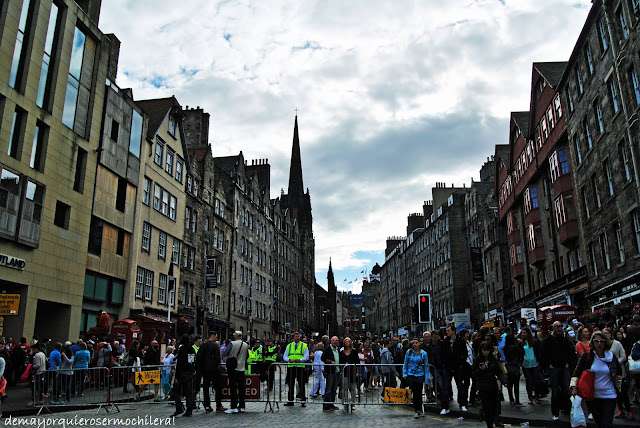 Royal Mile de Edimburgo en agosto, Escocia