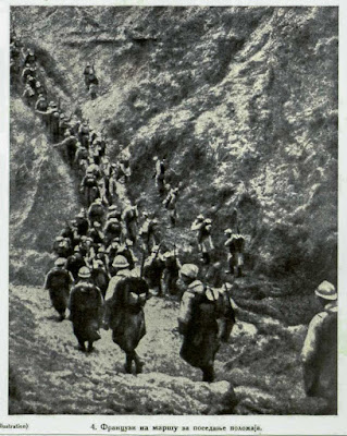 Frenchmen on march for the occupation of positions