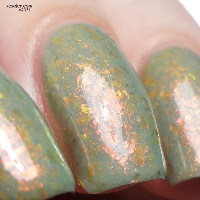 xoxoJen's swatch of KBShimmer Amanita Moment
