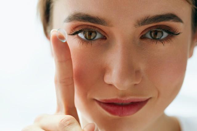 ¿Es seguro usar lentes de contacto?