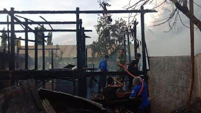 Satu Rumah Panggung Ludes Akibat Kebakaran di Soppeng
