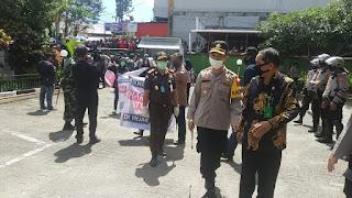 Kerjasama Apik 2, Kapolres Tana Toraja Pimpin Pengamanan Aksi Dari Aliansi Toraja Utara Bersatu
