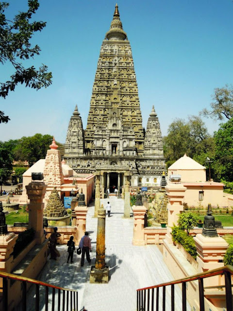 The Mahabodhi Temple, Bodhgaya. Its pyramidal spire, which rises to 54 m, is reminiscent of the vimanas of the South Indian Temples.