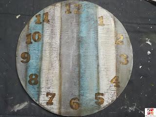 reloj con stencil