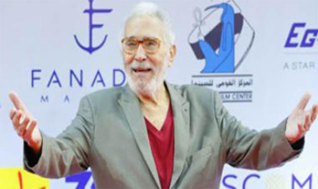 هجوم على الفنان عبد الرحمن أبو زهرة بعد تشبيه الفنانين بالرسل
