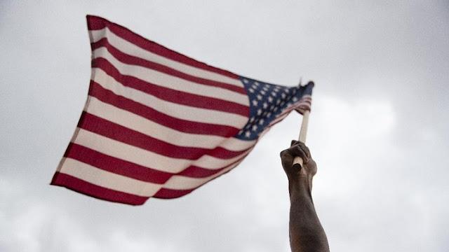 Ekonomi AS Rontok hingga Negatif 32,9%