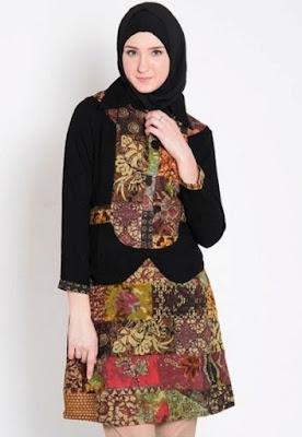 Baju batik kombinasi untuk wanita muslimah