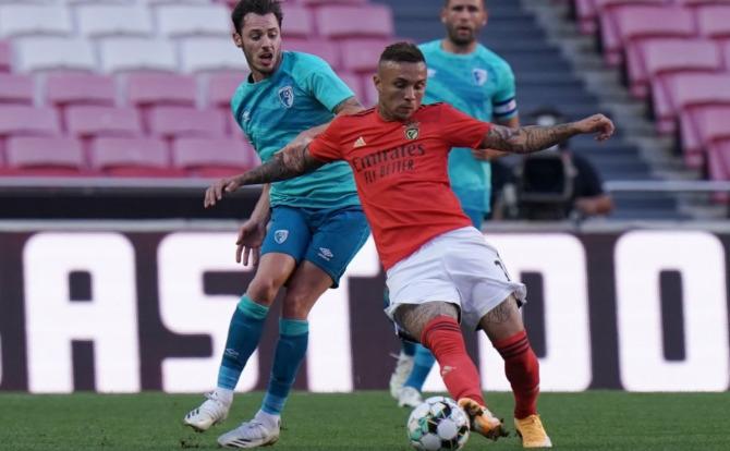 Everton Cebolinha marcou na estreia na Luz pelo Benfica