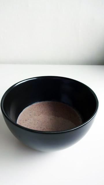 Iswari - завтрак Будды: БАНАН, АСАИ и КЛУБНИКА