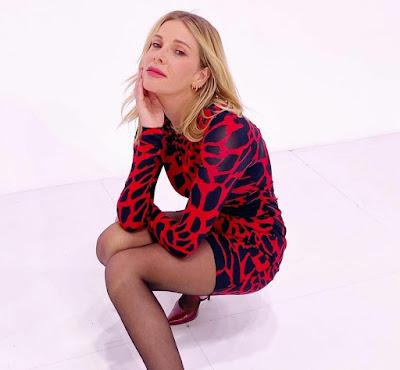 Alessia Marcuzzi calze velate le iene 24 novembre 2020