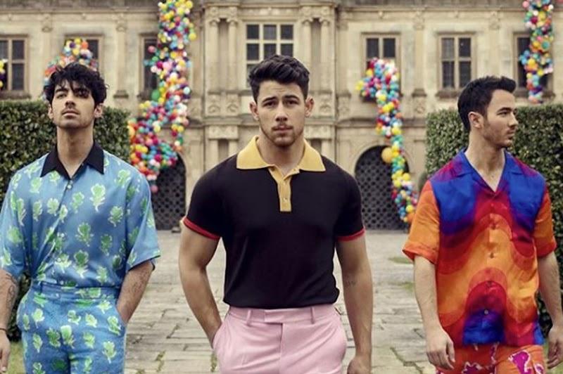 Yeniden Bir Araya Gelen Jonas Brothers Kardeşler Şarkı Grubu Yeni Şarkıları İle Tekrar Karşımızda!