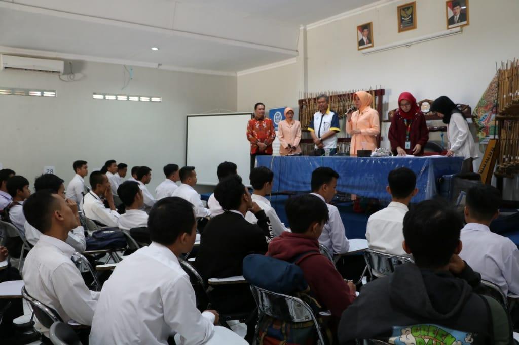 FBKK Kota Bandung dan SMK Angkasa lanud Buka Peluang Kerja untuk Lulusan SMK