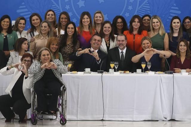 O que teve de relevante no encontro de Bolsonaro com a bancada feminina do Congresso