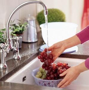 Cách rửa nho nhanh mà không bị dập nát cực hay