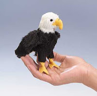 bald eagle finger puppet