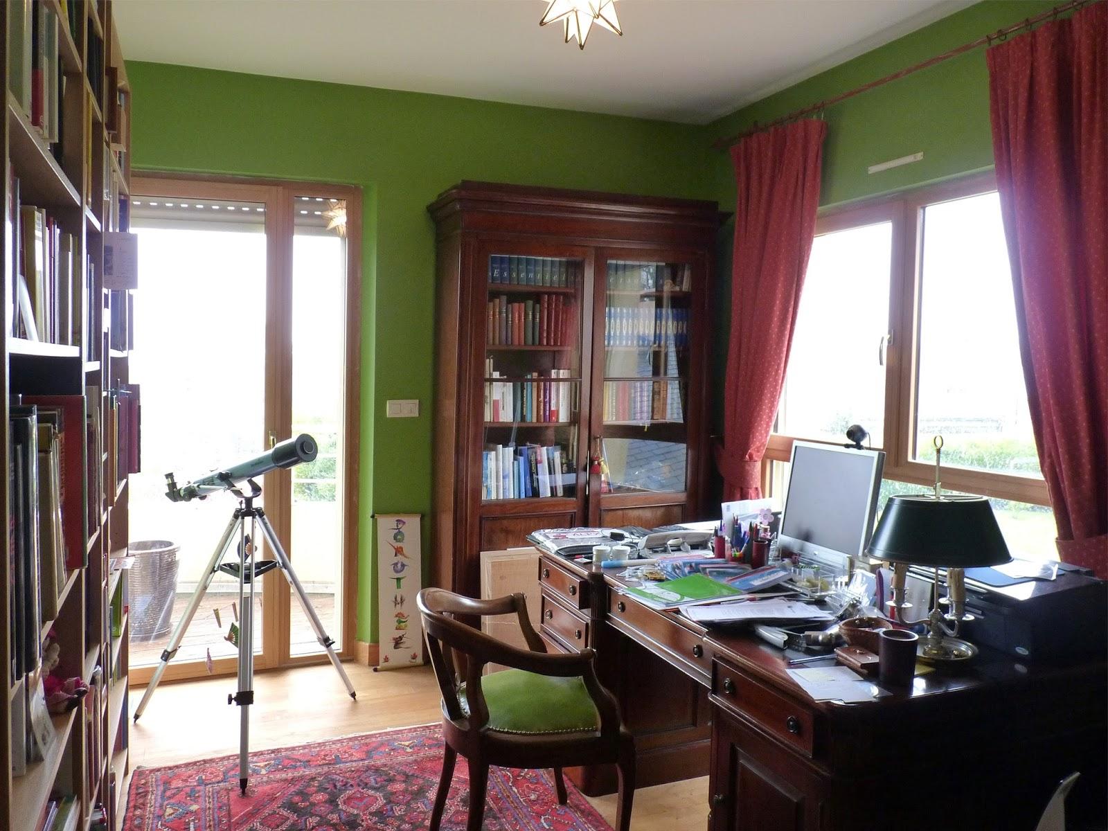 zoline art un bureau vert anglais. Black Bedroom Furniture Sets. Home Design Ideas