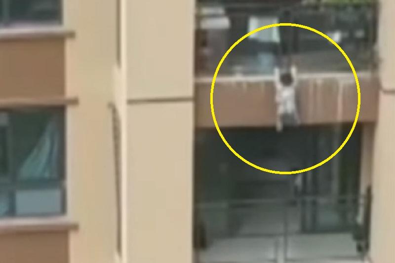 Menino de 3 anos cai de 6º andar de prédio e é salvo por lençol; veja o vídeo