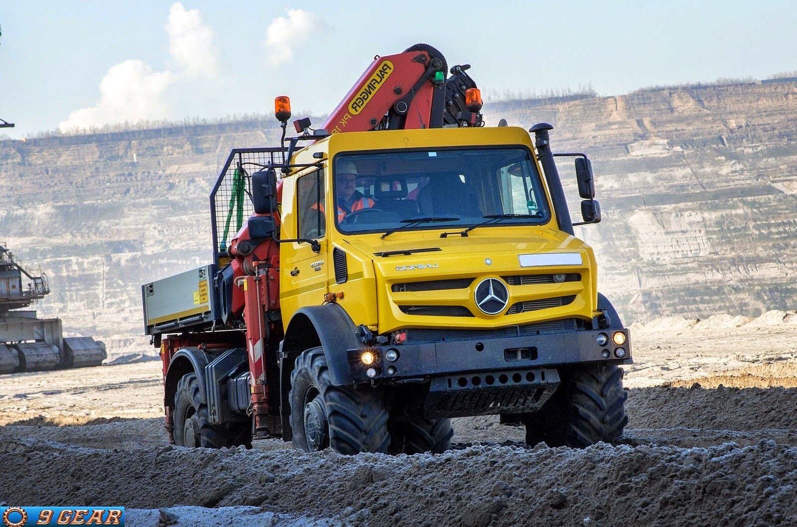 Car Reviews New Car Pictures For 2019 2020 Mercedes Benz 4x4 Unimog