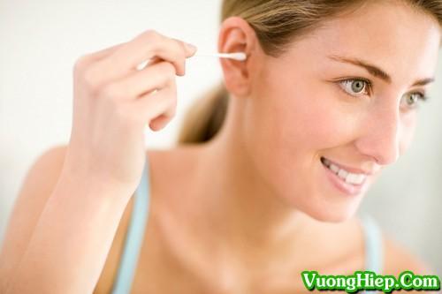 Bí quyết lấy ráy tai cực nhanh