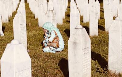 مذبحة سربرنيتسا : ندبة غائرة في جسد الإنسانية . مسلمو البوسنة مازالوا فى انتظار العدالة .. تفاصيل الجريمة !