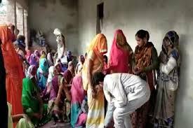 महिलाएं मनचलों को सबक सिखाएं ।। #NaaliKaKeeda